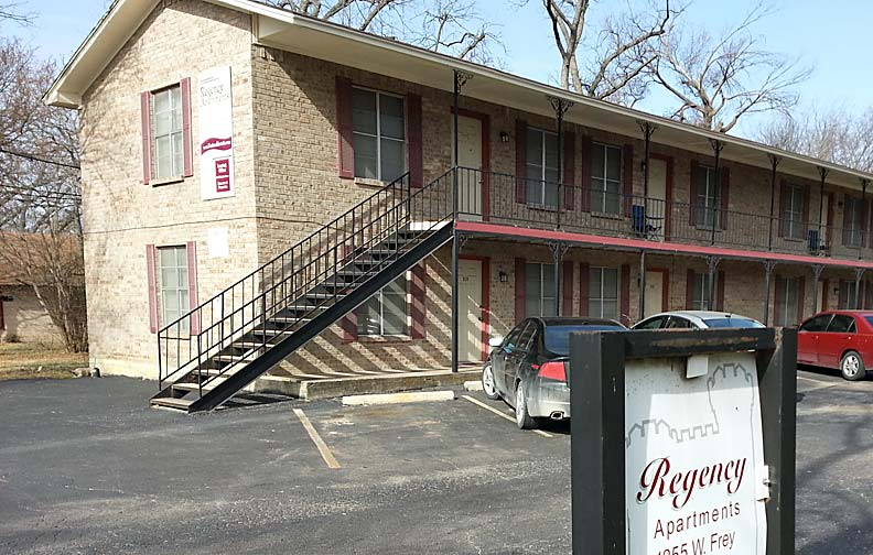 One bedroom apartment for rent near Tarleton State.