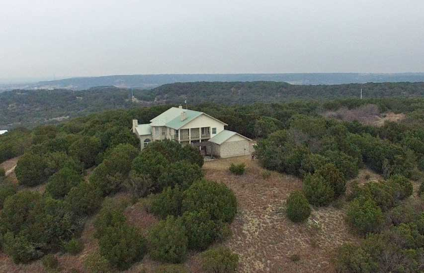 Awesome hilltop home in Bluffdale magnificent views!